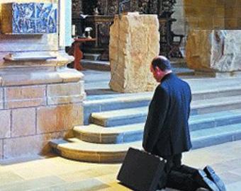 El obispo de San Sebastián, José Ignacio Munilla, denuncia a quienes ahora apoyan a los presos