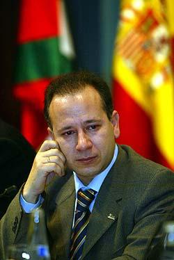 """Alcaraz pide a la Iglesia que """"no acepte el mal llamado proceso de paz"""""""