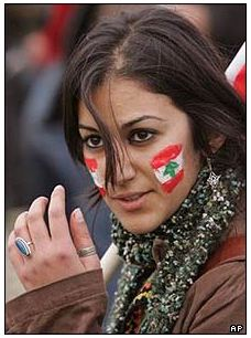El laberinto del Líbano: Miles de cristianos responden en la calle a Hezbollah