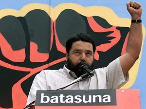 """""""La ilegalización de Batasuna tendrá que resolverse en la mesa a través de un acuerdo global"""""""