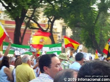 """Los andaluces dicen """"Rendición, en mi nombre, no"""" y """"Queremos saber la verdad"""""""