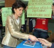 Ni Gallardón ni Aguirre: los navarros quieren a María San Gil