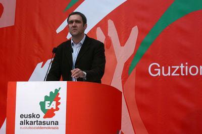 EA sitúa la clave en dejar hacer política a Batasuna