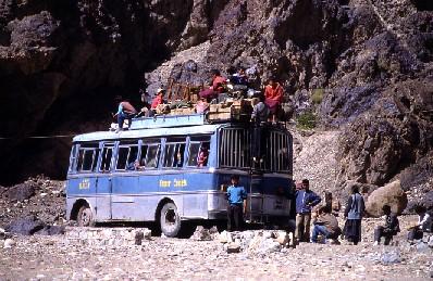 VECINOS DE PAZ organiza autobuses desde Navarra para acudir a la manifestación convocada por Foro Ermua en Madrid el próximo 3 de febrero de 2007.
