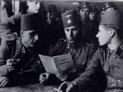 Los islamistas europeos a favor de la yihad o guerra santa (fotografía: voluntarios musulmanes bosnios de las SS)