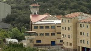 Una treintena de presos abandona la 'vía Nanclares'